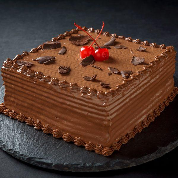 chocolate meringue gateaux